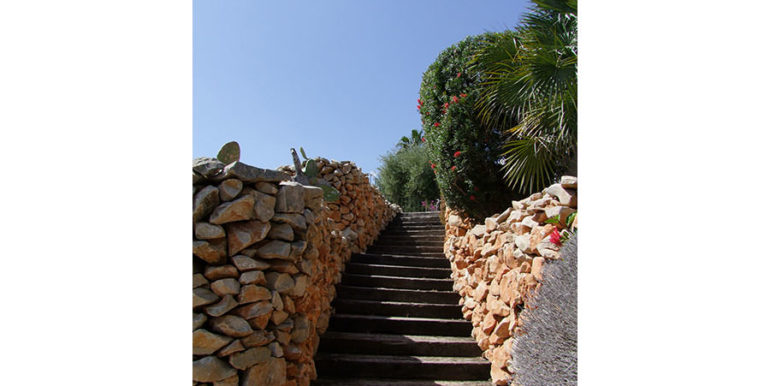 Ibizan luxury villa with harbour/sea view in Moraira Portichol/Club Náutico - Stairs and garden - ID: 5500688 - Architect Joaquín Lloret - Photographer Torsten Bulk