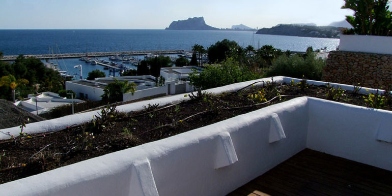 Ibizan luxury villa with harbour/sea view in Moraira Portichol/Club Náutico - Terrace from the master bedroom with marina and sea views - ID: 5500688 - Architect Joaquín Lloret - Photographer Torsten Bulk