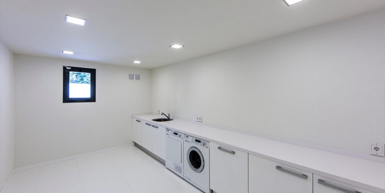 New villa in minimalist style with sea views in Moraira El Portet - Laundry room - ID: 5500663 - Architect Carlos Gilardi (Equipo Digitalarq S.L.) - Photographer Michael van Oosten - Villa CAWOW