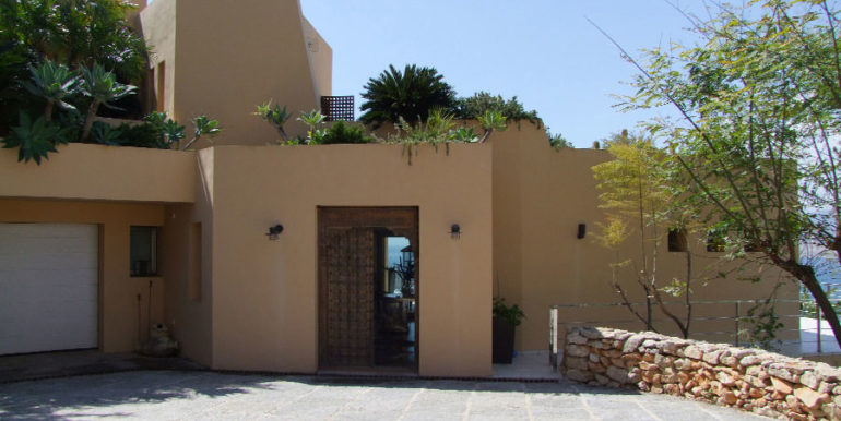 Superb luxury villa in prime location in Moraira El Portet/Cap d'Or - Garage and entrance - ID: 5500689