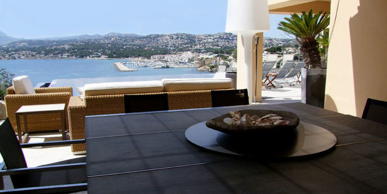 Superb luxury villa in prime location in Moraira El Portet/Cap d'Or - Outside BBQ and dining area with harbour and sea views - ID: 5500689