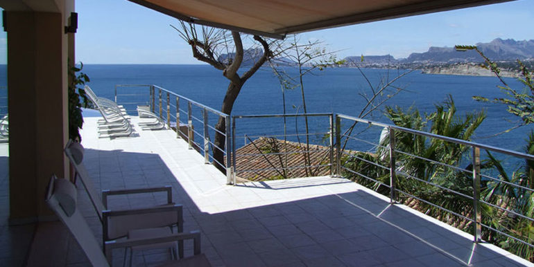 Superb luxury villa in prime location in Moraira El Portet/Cap d'Or - Terrace with awning - ID: 5500689