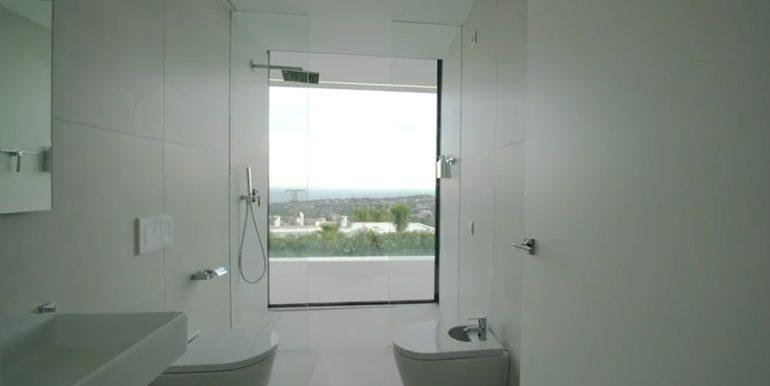 Luxury villa with perfect sea views in Moraira Benimeit - Bathroom with sea view - ID: 5500670 - Architect Ramón Gandia Brull (RGB Arquitectos)