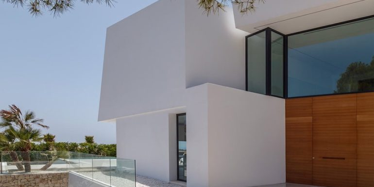 Luxury villa with perfect sea views in Moraira Benimeit - Entrance from outside - ID: 5500670 - Architect Ramón Gandia Brull (RGB Arquitectos)