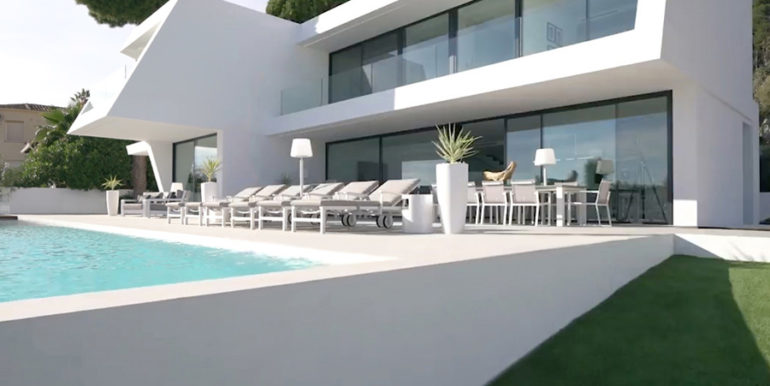 Luxury villa with perfect sea views in Moraira Benimeit - Pool terrace and villa - ID: 5500670 - Architect Ramón Gandia Brull (RGB Arquitectos)