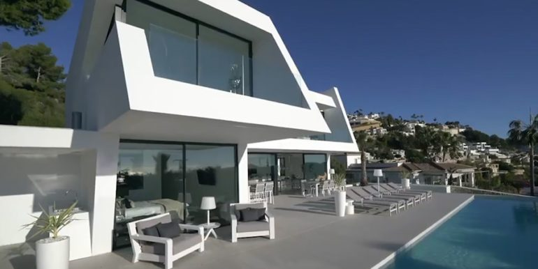 Luxury villa with perfect sea views in Moraira Benimeit - Villa and pool terrace - ID: 5500670 - Architect Ramón Gandia Brull (RGB Arquitectos)