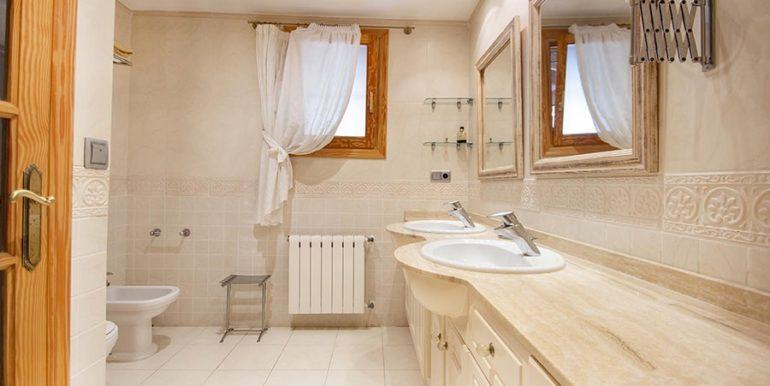 Frontline villa in Benissa Les Bassetes - Bathroom - ID: 5500695