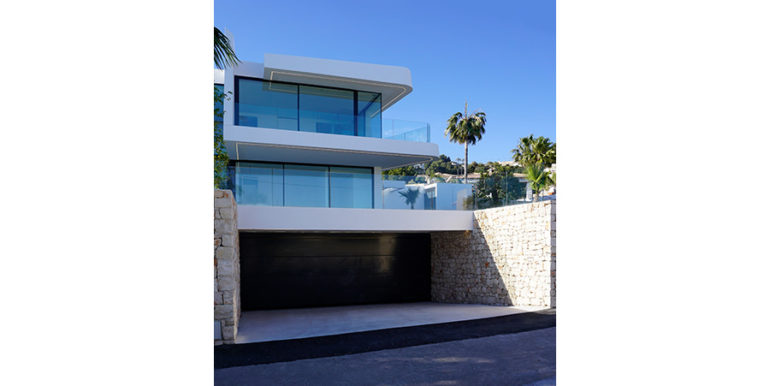 Luxury villa with beautiful sea views in Moraira Benimeit - Garage - ID: 5500671 - Architect Ramón Gandia Brull (RGB Arquitectos) - Photographer Torsten Bulk