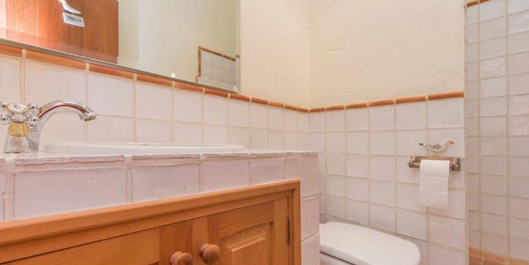 Außergewöhnliche Luxusvilla im Ibiza-Style in Moraira El Portet - Badezimmer mit Dusche - ID: 5500687 - Architekt Joaquín Lloret