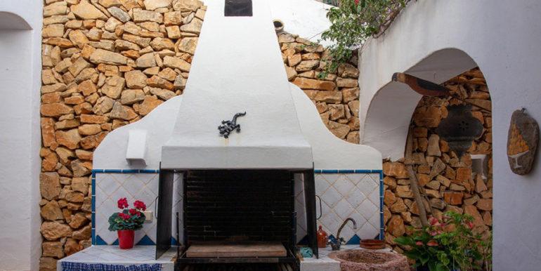 Außergewöhnliche Luxusvilla im Ibiza-Style in Moraira El Portet - Grillplatz - ID: 5500687 - Architekt Joaquín Lloret
