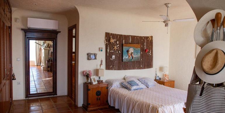 Außergewöhnliche Luxusvilla im Ibiza-Style in Moraira El Portet - Hauptschlafzimmer - ID: 5500687 - Architekt Joaquín Lloret