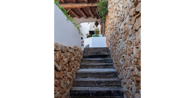 Außergewöhnliche Luxusvilla im Ibiza-Style in Moraira El Portet - Natursteinwand - ID: 5500687 - Architekt Joaquín Lloret