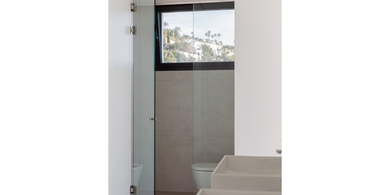 Luxury villa with beautiful sea views in Moraira Benimeit - Bathroom with separate toilet - ID: 5500671 - Architect Ramón Gandia Brull (RGB Arquitectos)