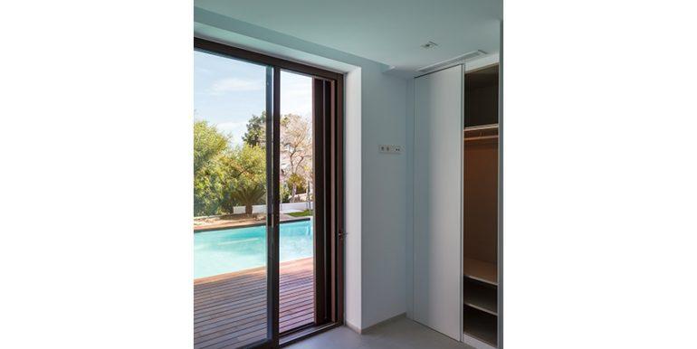 Villa de lujo de diseño moderno en Moraira Moravit - Dormitorio con terraza de la piscina - ID: 5500684 - Arquitecto Ramón Esteve