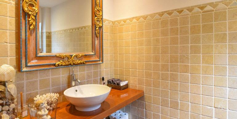 Frontline villa in Benissa Les Bassetes - Guest toilet - ID: 5500695