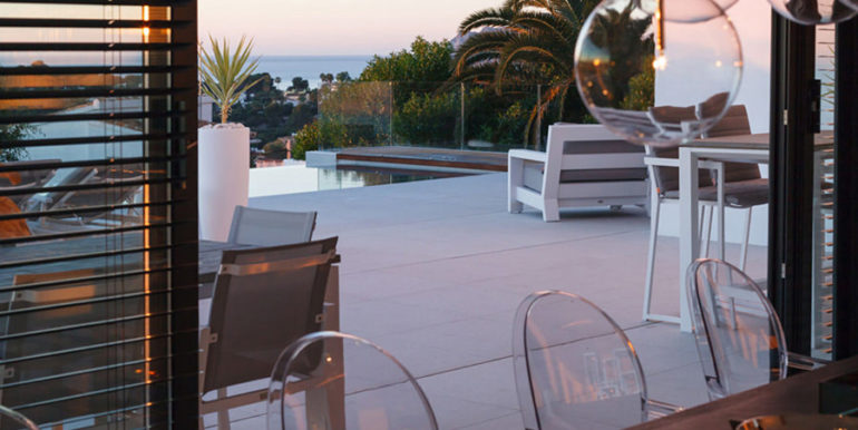 Luxury villa with perfect sea views in Moraira Benimeit - Pool terrace and sea views by sunset - ID: 5500670 - Architect Ramón Gandia Brull (RGB Arquitectos)
