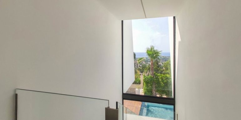 Luxury villa with beautiful sea views in Moraira Benimeit - Staircase with sea views - ID: 5500671 - Architect Ramón Gandia Brull (RGB Arquitectos)