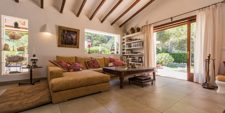 Exclusive Finca property with privacy in Jávea Cuesta San Antonio/La Plana - Living area with terrace - ID: 5500679