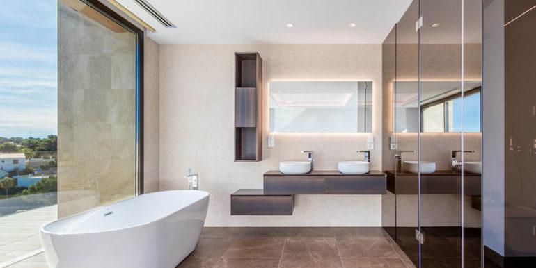 Villa de lujo de nueva construcción en Jávea Balcón al Mar - Bañera en el dormitorio principal - ID: 5500698