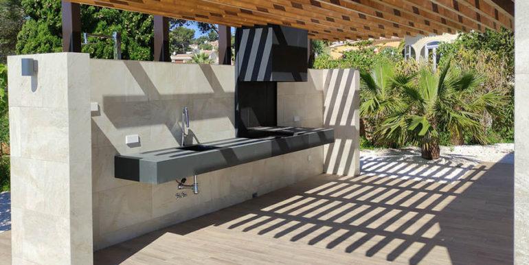 Villa de lujo de nueva construcción en Jávea Balcón al Mar - Barbacoa exterior y zona de comedor - ID: 5500698