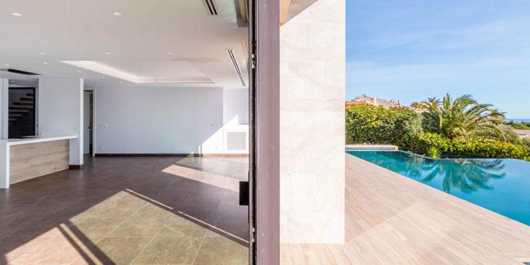 Villa de lujo de nueva construcción en Jávea Balcón al Mar - Salón, comedor, cocina y terraza de la piscina - ID: 5500698