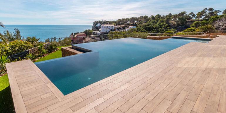 Villa de lujo de nueva construcción en Jávea Balcón al Mar - Terraza de la piscina con fantásticas vistas al mar - ID: 5500698