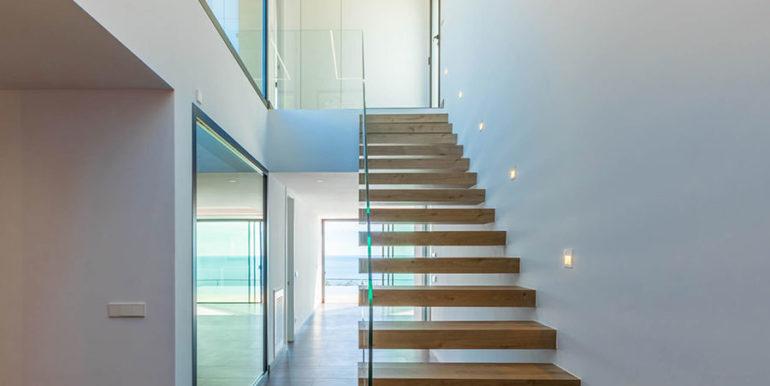 Villa de lujo de nueva construcción en Jávea Balcón al Mar - Escalera de acceso a la planta alta - ID: 5500698